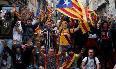 Katalonya'daki protestolarda 42 kişi yaralandı 110 kişi gözaltına alındı