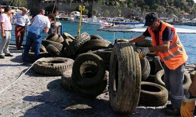 Antalya'da denizden kamyon dolusu lastik çıktı