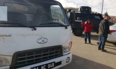HDP'li Belediyenin gönderdiği yardım malzemesi Elazığ'a sokulmadı