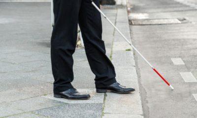 20 yıldır görme engelli adam araba çarpması sonucu yeniden görmeye başladı