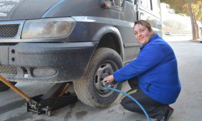 20 yıllık lastik tamircisi Duygu usta