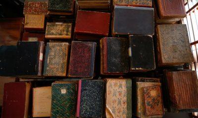 'Türbe' sanılan yerden 400 yıllık kitaplar çıktı
