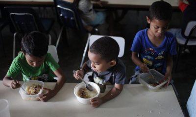 Venezuela'da kriz sebebiyle anneler çocuklarını evlatlık veriyor