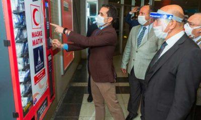 İzmir'in metro istasyonlarında 'maskematik' uygulaması başladı