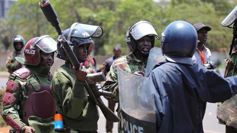 Kenya polisi sokağa çıkma yasağını ihlal eden 12 kişiyi öldürdü