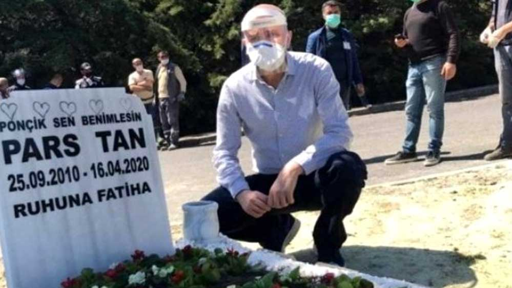 Ebru Şallı'nın oğlunun mezar taşına yazdırdığı not görenleri duygulandırdı
