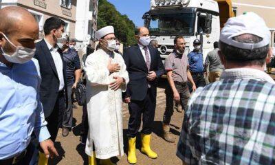 """Diyanet İşleri Başkanı Erbaş: """"İsyan etmeyeceğiz, Allah'tan gelene boynumuz kıldan ince diyeceğiz"""""""