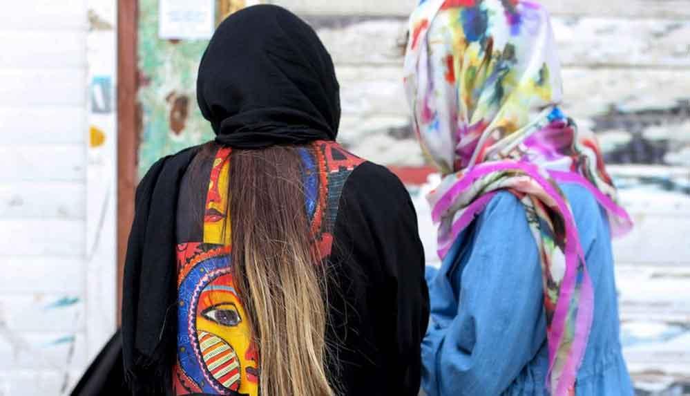 İran'da kadınlar podcast ile şiddet hikayelerini paylaşıyor