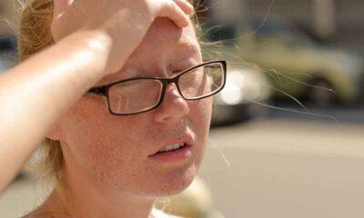 Sıcaklarda görülen baş ağrısı ve kusma güneş çarpması belirtisi olabilir