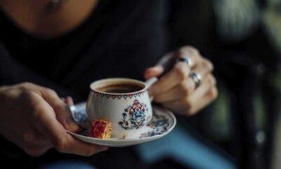 Yemekten sonra çay, kahve içenler dikkat