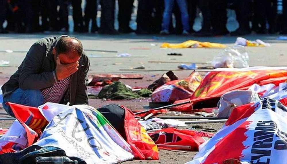 10 Ekim Katliamı'nda yaşamını yitirenler İstanbul'da anılıyor: Unutturmayacağız, affetmeyeceğiz!