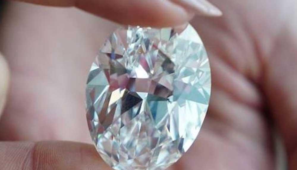 102 karat elmas 15.7 milyon dolara satıldı: Eksperlere göre kelepir