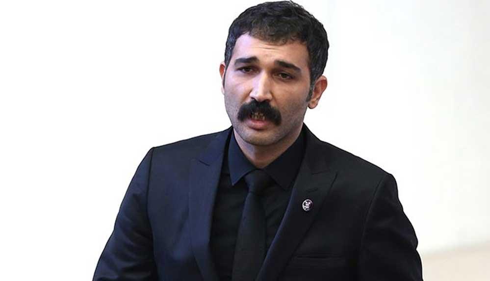 """Barış Atay'dan Kerem Bürsin'e sert tepki: """"Asıl salaklık..."""""""