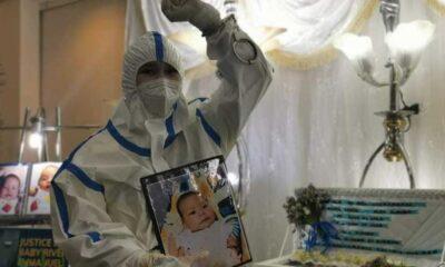 Filipinler'de öfke: Hapisteki annesinden alınan üç aylık bebek öldü