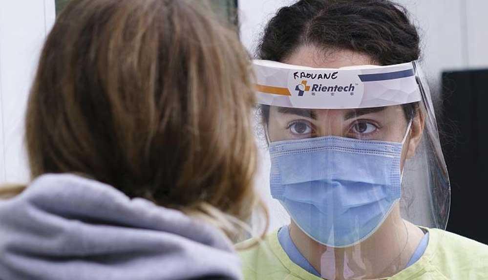 Hemşireler Birliği: Salgına karşı ön safta yer alan sağlık çalışanları tükenmişlik sorunu yaşıyor