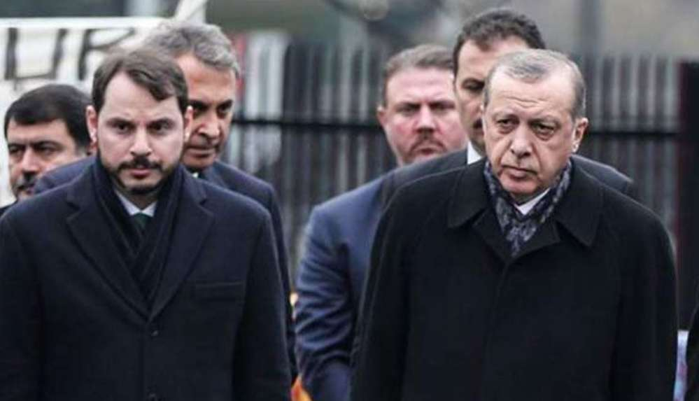 Financial Times: Ekonomik krizin çapı Erdoğan ailesinin çöküşünü tetikledi