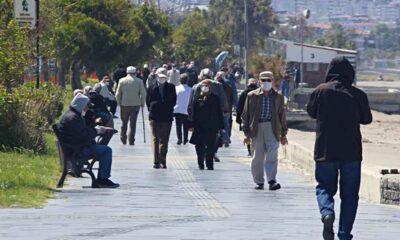 Covid-19 vakalarının yüzde 40'ının bulunduğu İstanbul'da, 250 bin kişi sırası geldiği halde aşı olmadı