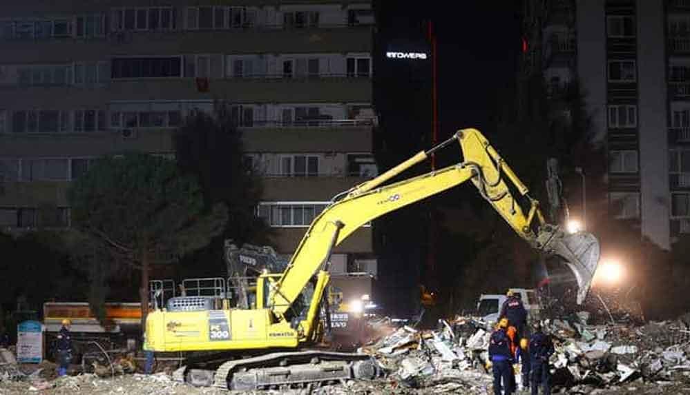 İzmir'de 11 bin 97 binada hasar tespiti: 124 bina 'acil yıkılacak' statüsünde