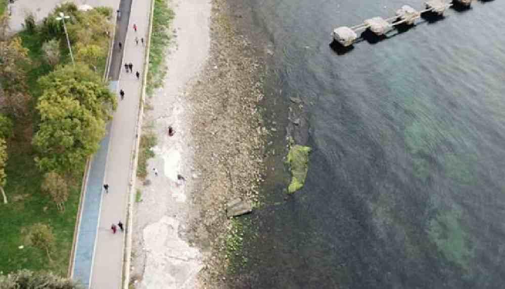 Kadıköy'de deniz çekilmesi deprem işareti mi?