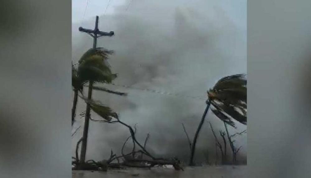 Lota Kasırgası Orta Amerika'yı vurdu