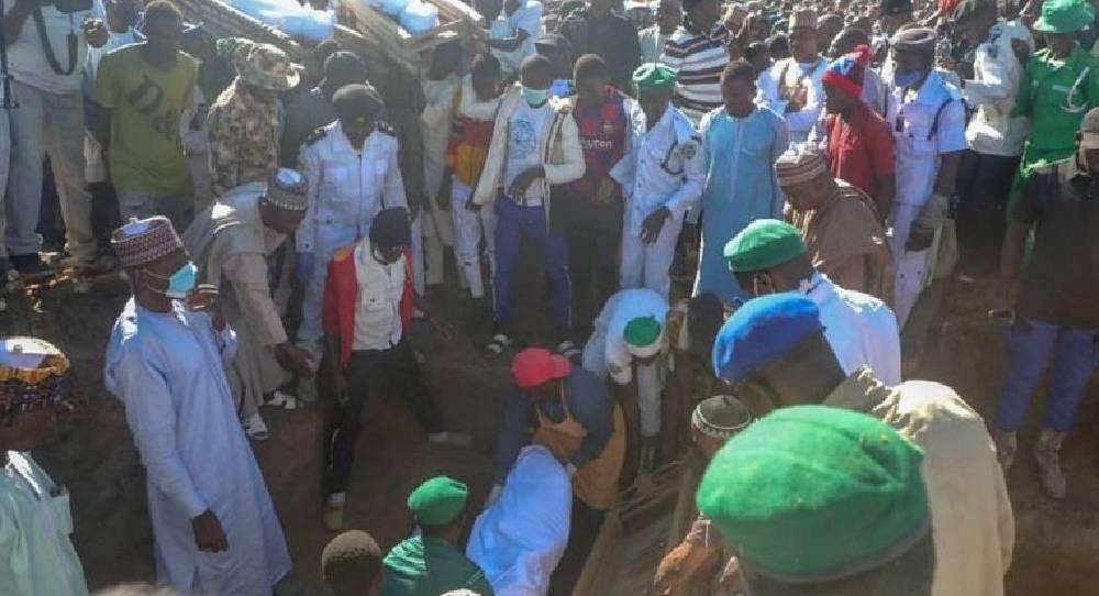 Nijerya'da en az 43 tarım işçisi boğazları kesilerek öldürüldü