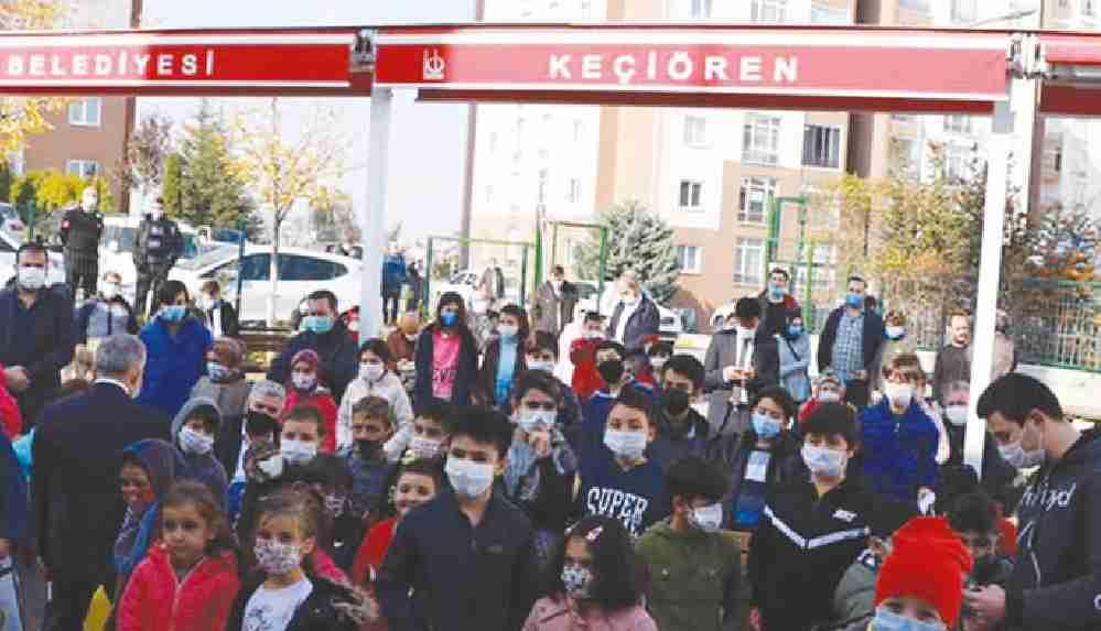 Pandemide 'Haydi Çocuklar Namaza' etkinliği kapsamında çocuklar camiye toplandı