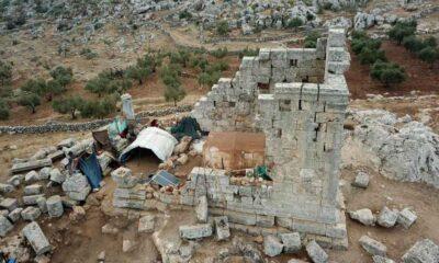 Savaştan kaçan Suriyeliler, Türkiye sınırındaki antik kente yerleşti
