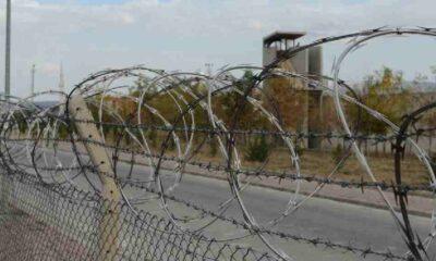 AKP'li vekiller, cezaevlerinde çıplak aramanın nasıl yapıldığını anlattı