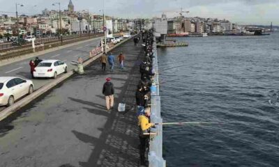 Denetim başladı: Galata Köprüsü'nde olta balıkçılarına '3 metre kuralı' denetimi