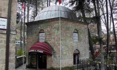 Fatih Sultan Mehmet'in hocası için yaptırdığı türbeye Fransız tente