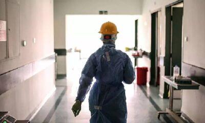 İçine tükürdüğü suyu doktorun üzerine atan koronavirüs şüphelisi serbest bırakıldı