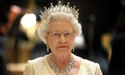 Kraliçe Elizabeth'in sarayından çalıp internette satmış