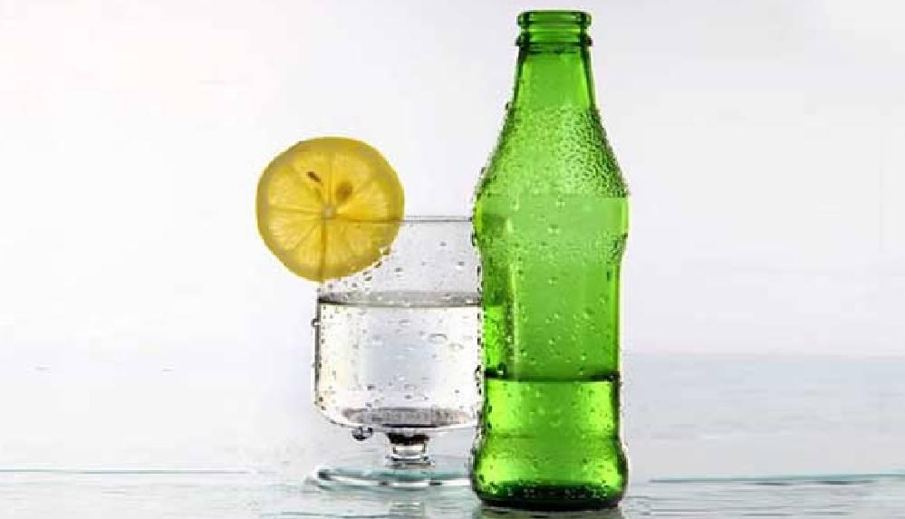 Yaz aylarında maden suyu içmenin faydaları nelerdir?