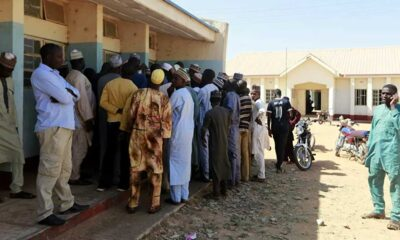 Nijerya'da bu kez erkek okulu basılıp yüzlerce öğrenci kaçırıldı