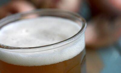 Sosyal medyadan içki satan iki kişi gözaltına alındı