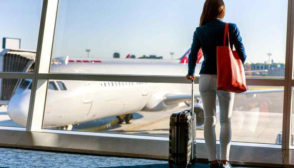 Bayram tatili öncesi uçak bilet fiyatları uçuşa geçti