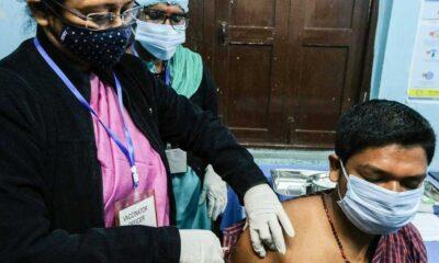 Covid-19 aşısı: 1,3 milyar nüfuslu Hindistan, dünyanın en büyük aşı programını başlattı