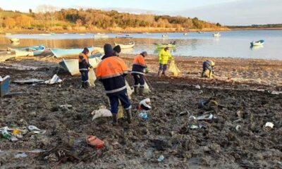 İstanbul'un suyu çekilen barajlarında temizlik: 40 ton atık toplandı