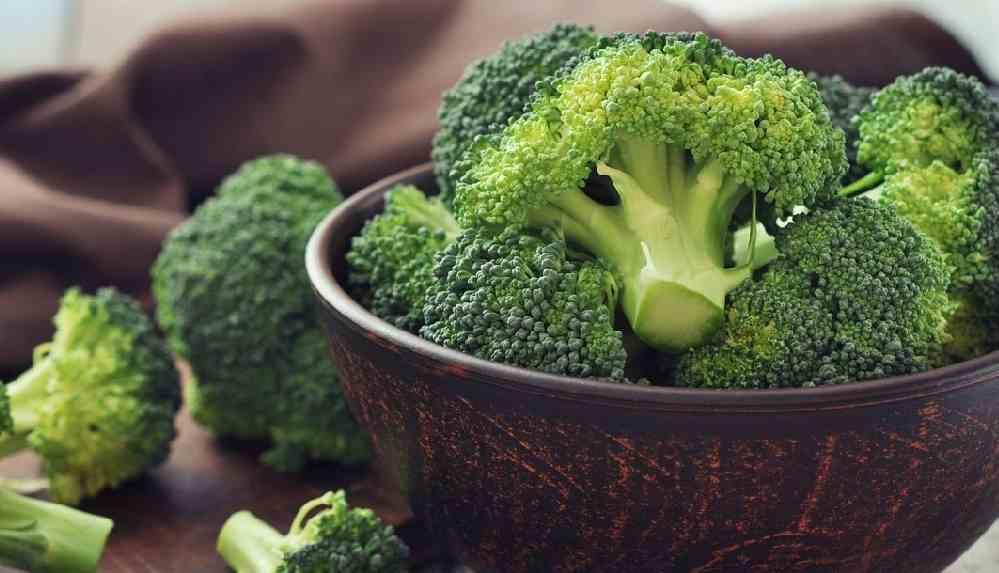 Kanser savaşçısı brokolinin faydaları ve zararları nelerdir?