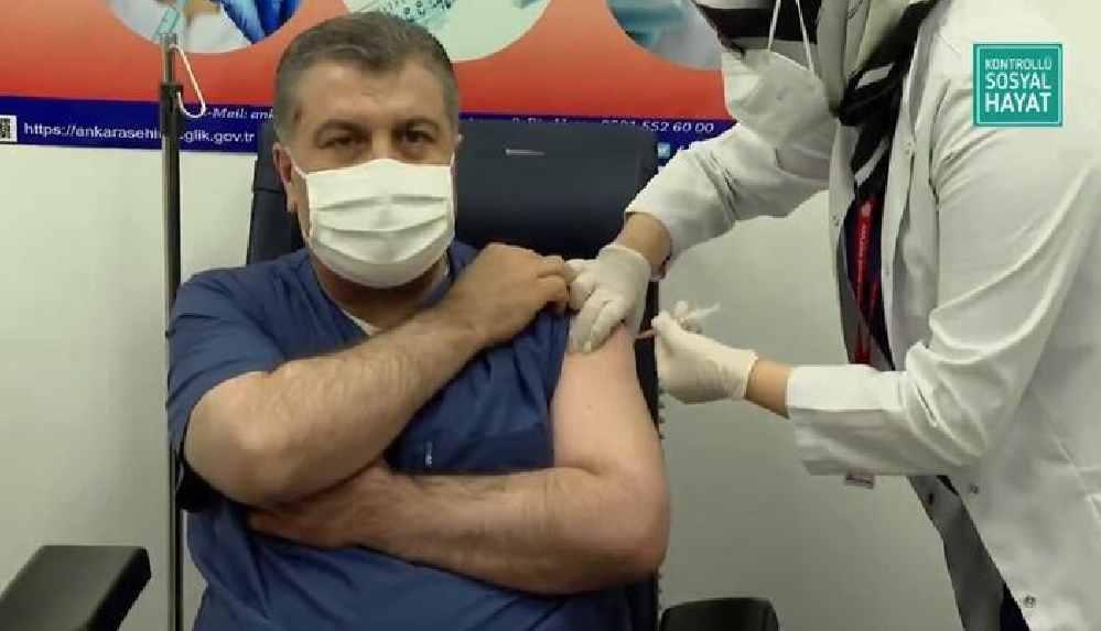 Son Dakika... Aşılama yarın başlıyor! Bakan Koca ve Bilim Kurulu üyeleri koronavirüs aşısı oldu