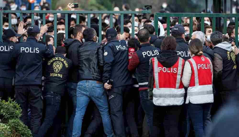 Dışişleri Bakanlığı'ndan Boğaziçi açıklaması: Türkiye'nin içişlerine müdahale etmeye kalkışmak kimsenin haddi değil