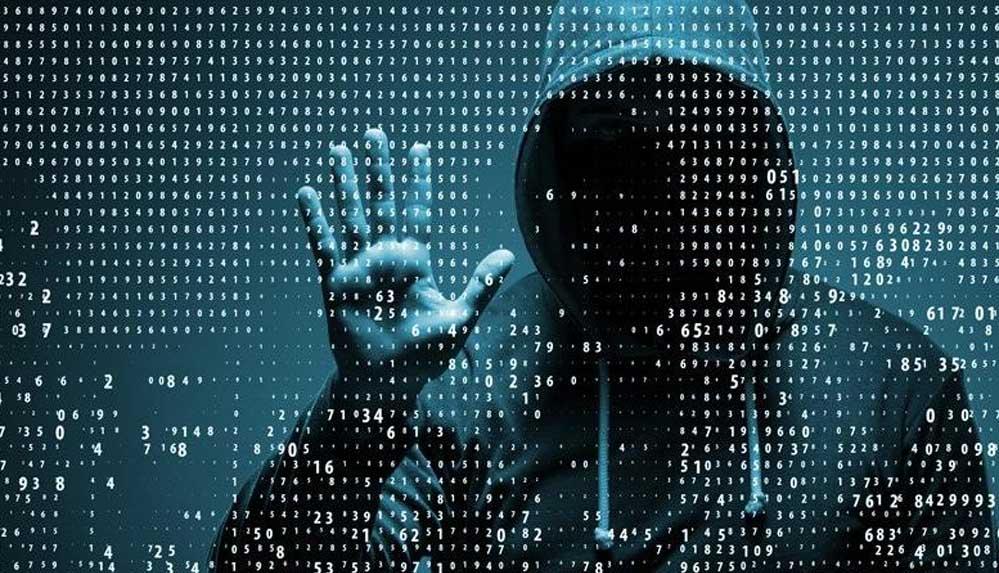 Ülkeyi sarsan siber dolandırıcılık: 200 kişinin yatak odasını gizlice izledi
