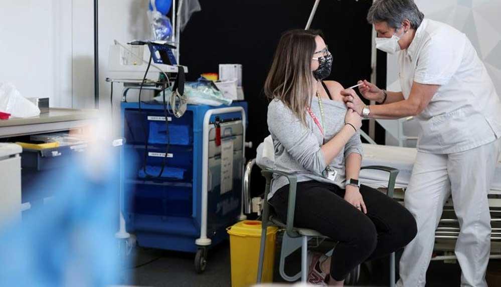 mRNA aşısında panik büyüyor: Aşılanan 22 yaşlı hayatını kaybetti