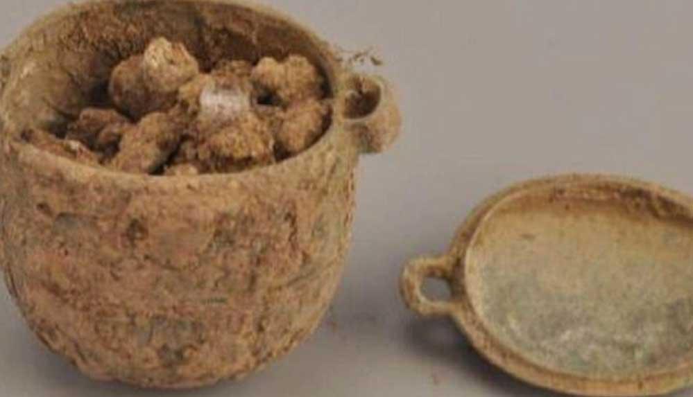 2 bin 700 yıl önce soyluların kozmetik ürün kullandığı ortaya çıktı