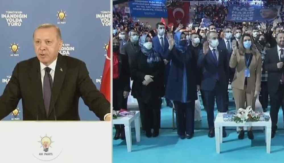 AKP kongresinde o şarkı çalındı: Erdoğan 'baba'ları karıştırdı
