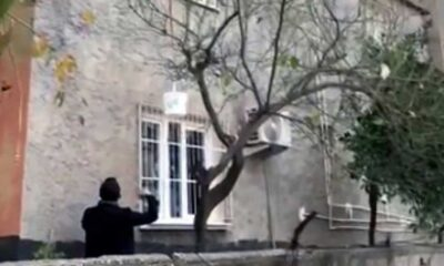 Adana'da evden sepet sarkıtarak satış yapan torbacı yakalandı