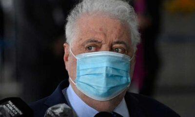 Arjantin Sağlık Bakanı, bazı kişilere kayıt dışı Kovid-19 aşısı yaptırdığı için istifa etti