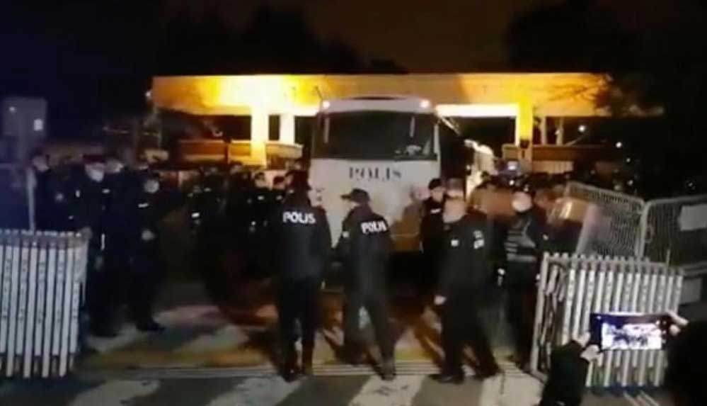 Boğaziçi Üniversitesi'ne polis müdahalesi... Valilik'ten açıklama: 159 gözaltı