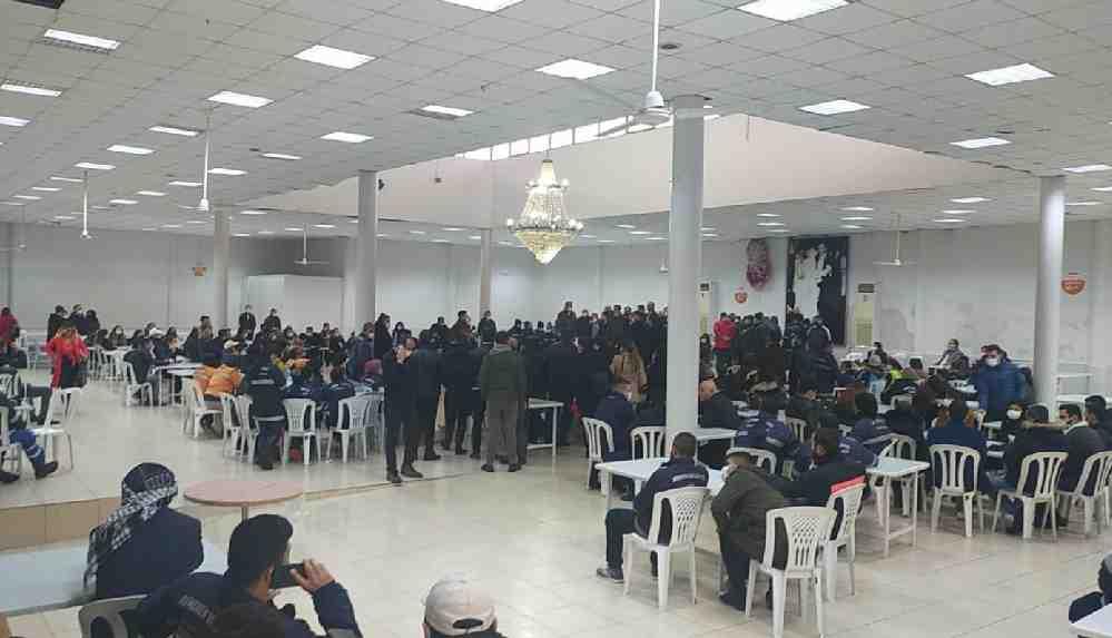 CHP'den AKP'ye geçen Menemen Belediyesi, 700 işçiyi belediyeye sokmuyor