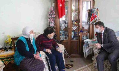 Emekli çift, 5 milyon liralık birikimini cami için bağışladı: 'Yemedik, içmedik biriktirdik'